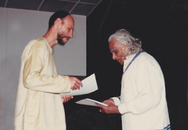 professeur Jean Marie perre-BKS Iyengar